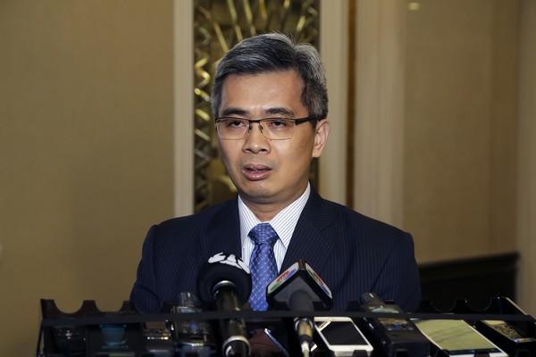 Macau's Secretary for Security talks of pre-1999, mafia days and high-tech crimes
