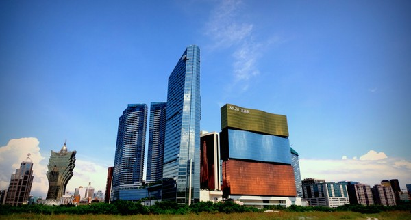 Macau's gambling revenue growth best in 20 months