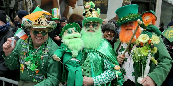 Hundreds join city's 1st St Patrick's Day parade in Macau