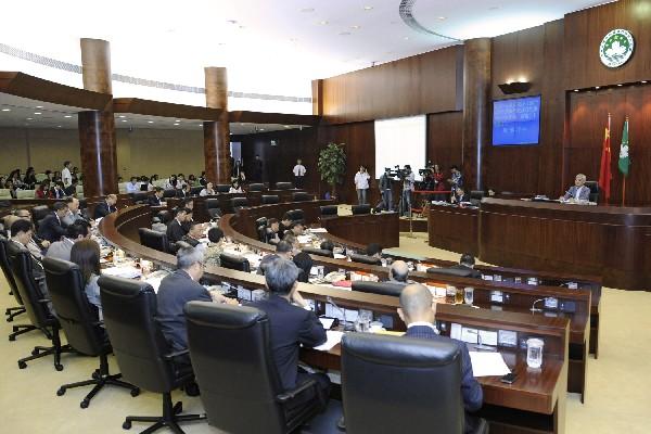 Legislature passes '+2+2+100' bills amid walkout by 4 lawmakers