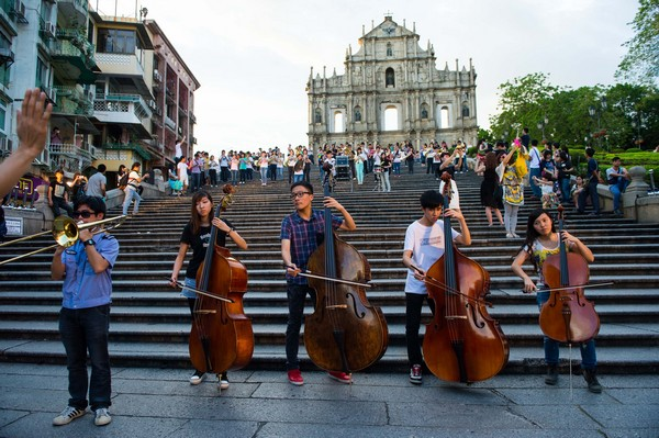 2.3 million visit Macau in May, up 9.1 pct