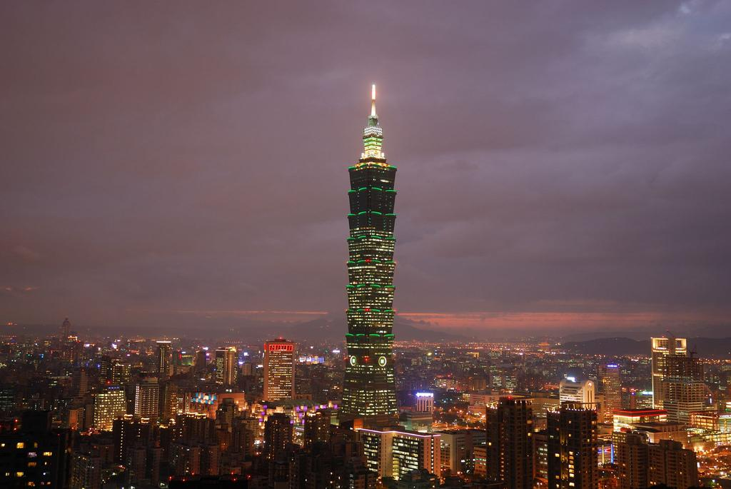 Taiwanese visitors to Macau seen down in 2009, but tourists stay longer