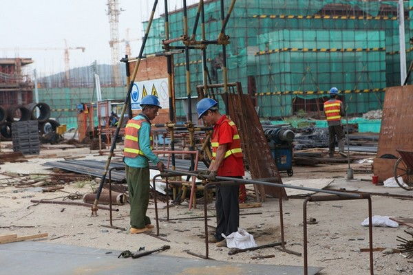 Imported workers make up nearly 40 pct of workforce