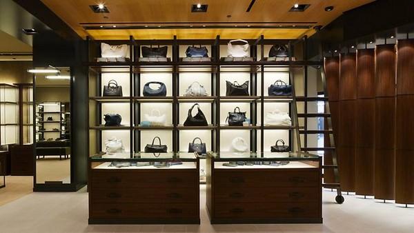 Macau handbag imports fall 26 percent in Jan-Feb