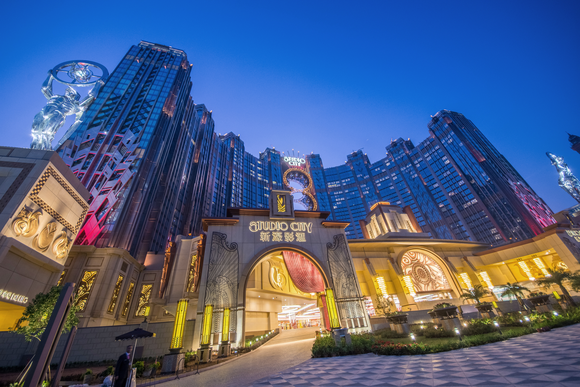 Melco Crown revenue up 13 percent in 2016 Q4