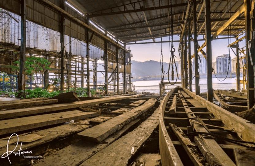 Coloane shipyard