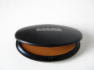 Beauty musthaves: Black Opal creme foundation