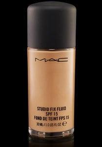 Beauty essentials Make-up Artist