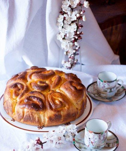 Torta di rose con marmellata di albicocche - ricetta
