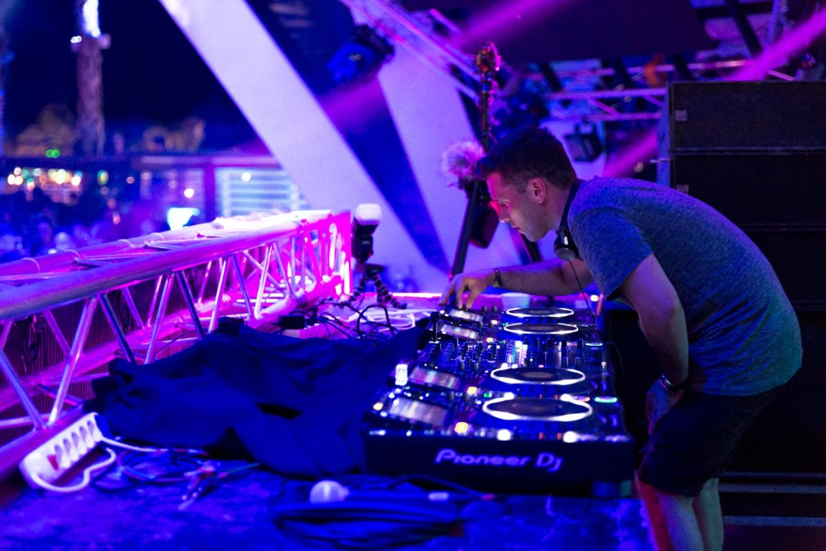 Danny Howard performing at Hideout Festival