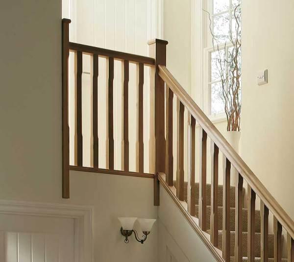 Oak landing staircase