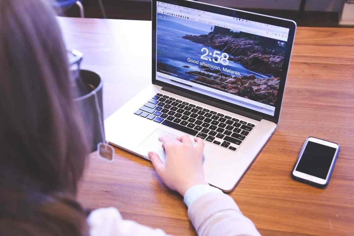 website computer laptop technology