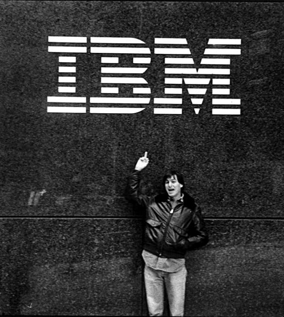 Steve Jobs flips off IBM