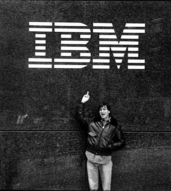 Steve Jobs flips off IBM