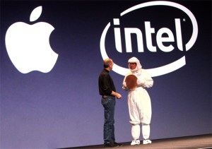Steve Jobs welcomes Intel's Paul Otellini at WWDC 2005