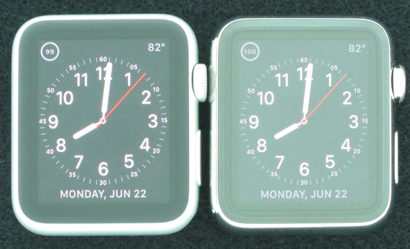 Apple Watch Sport with Ion-X glass (left), Apple Watch with sapphire crystal (right) (Source: DisplayMate)