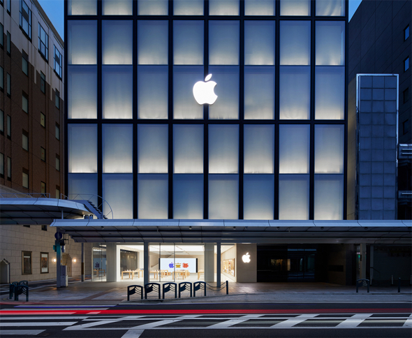 Apple Kyoto is located on Shijō Dori, which has served as the city's main shopping corridor since the 1600s.