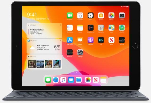 iPad app downloads. Image: Apple's 10.2‑inch iPad with full-size Smart Keyboard