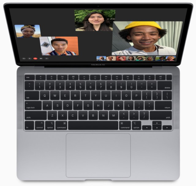 Marques Brownlee reviews the 2020 MacBook Air