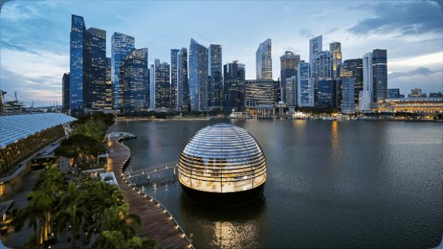 Apple Marina Bay Sands opens on Thursday, September 10 at 10 a.m. SGT.