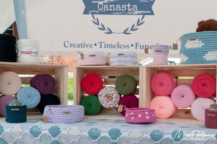 Canasta booth