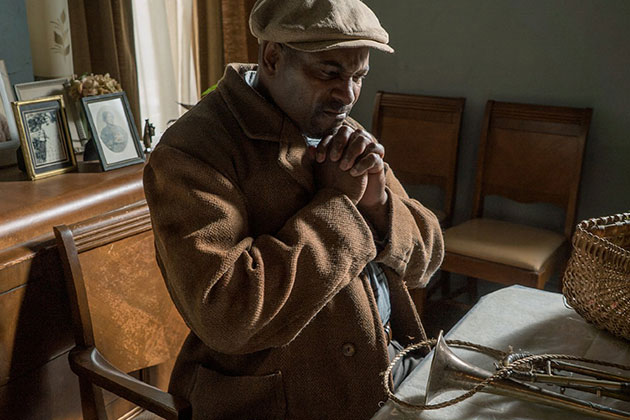 Fences Movie Still 2