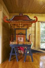 奄美では見かけることの少ない本格的なお神輿