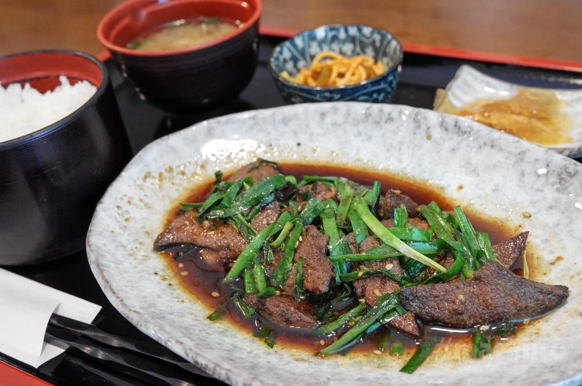 マチイロ 味の銀海 レバニラ定食