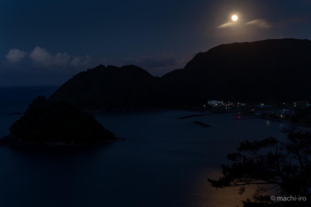 奄美探訪 市 満月