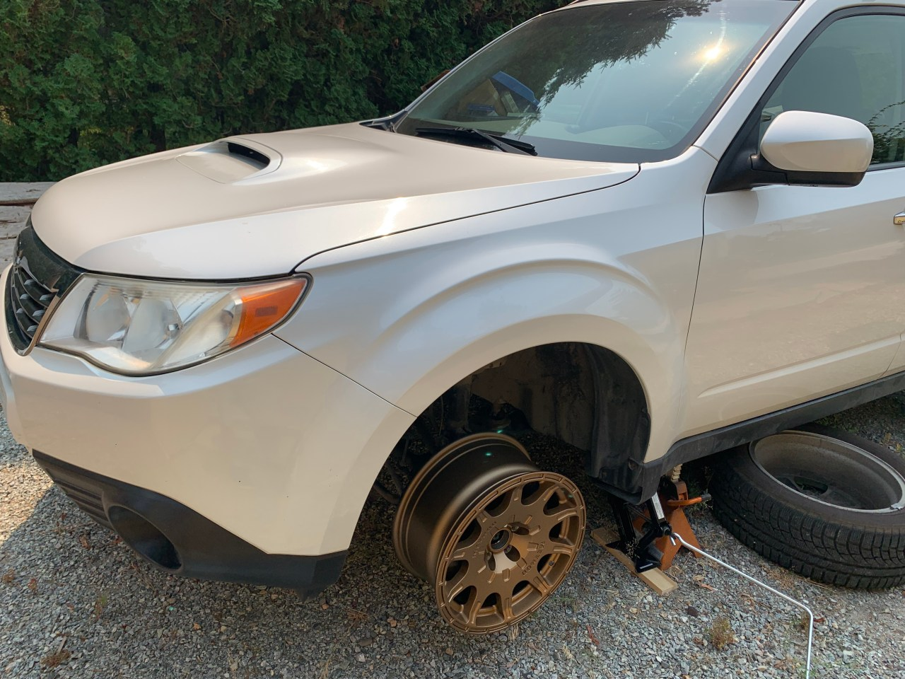 Test fitting the 15 inch method 502 wheels on the Subaru Forester xt
