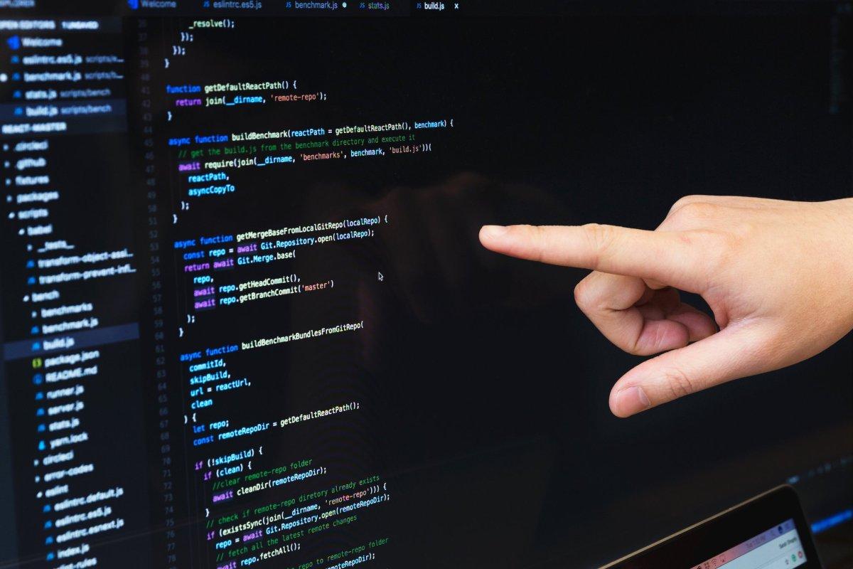 Verschiedene Softwaretestverfahren: Explorative, manuelle, automatische Tests sowie Unit- und Integrationstests
