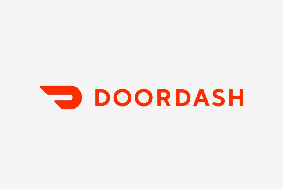logotipo do Doordash em vermelho e fundo cinza claro