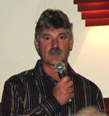 Mal Peters speaks at the Cricks (image: mgk:MachineGunKeyboard)