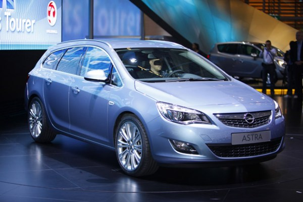 2011 Opel Astra Sports Tourer -Photos,Price,Specifications ...