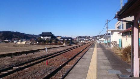 友達と散歩しながらやってきました。東館駅(山野井・女性)