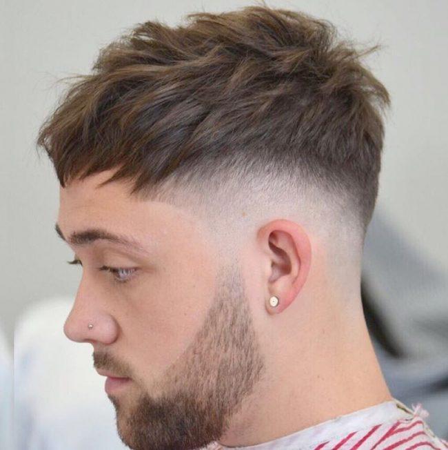 Und kinnpartie können gut einen undercut mit langem deckhaar tragen,. 90 Best Undercut Hairstyles for Men - 2021 Styling Ideas