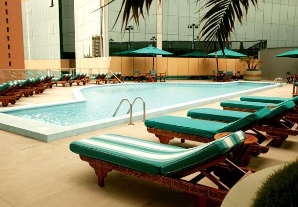 Piscina no Fitness Center no JW Marriott Hotel Lima