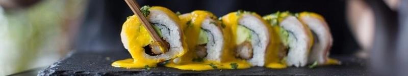 Toshiro'sSushi Bar preserva a tradição herdada de seus ancestrais, e produz uma obra de arte em cada um de seus sofisticados pratos