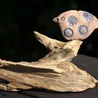 Vogel – Keramik auf bizarrem Wurzelholz