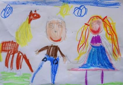 Aleah und Moritz bei den Pferden im Leitzachtal