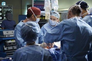 Grey's Anatomy, 12x23 (15)