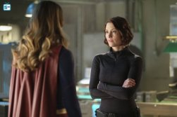 supergirl-221-17_595_Mini Logo TV white - Gallery