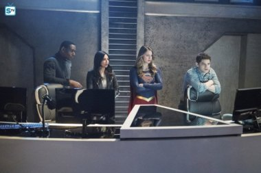 Supergirl 2x19 (10)
