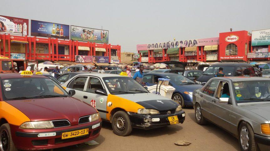 Madina_ghana_taxi_rank3