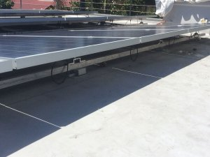 Solar panels mounted on Sarnafil membrane using Sika Uni-Base
