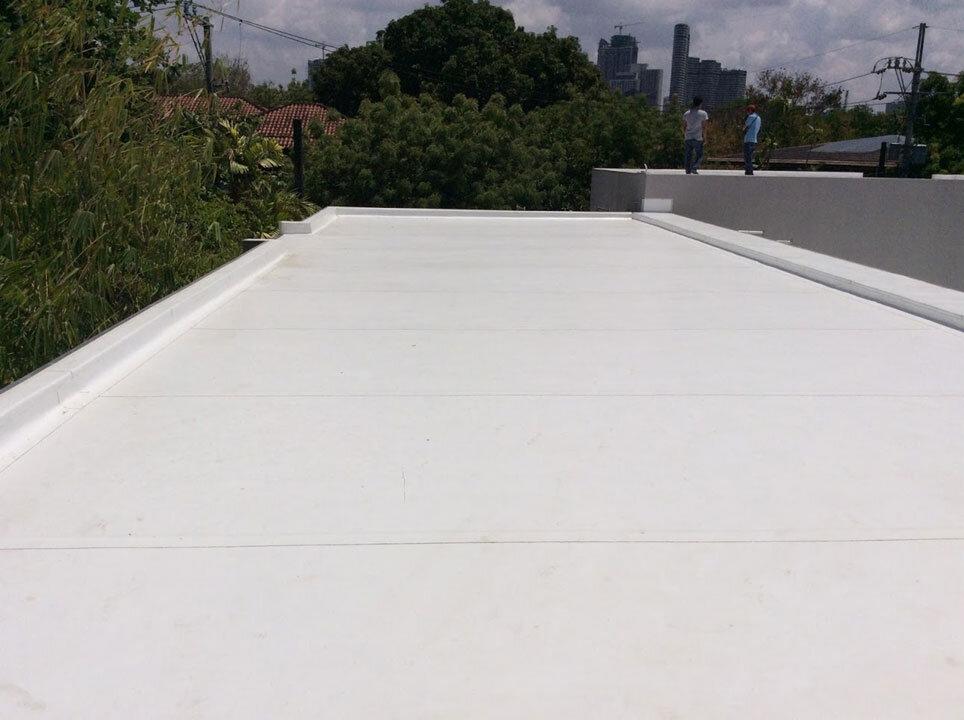 Lorenzo-Rillo roof deck Sarnafil installation