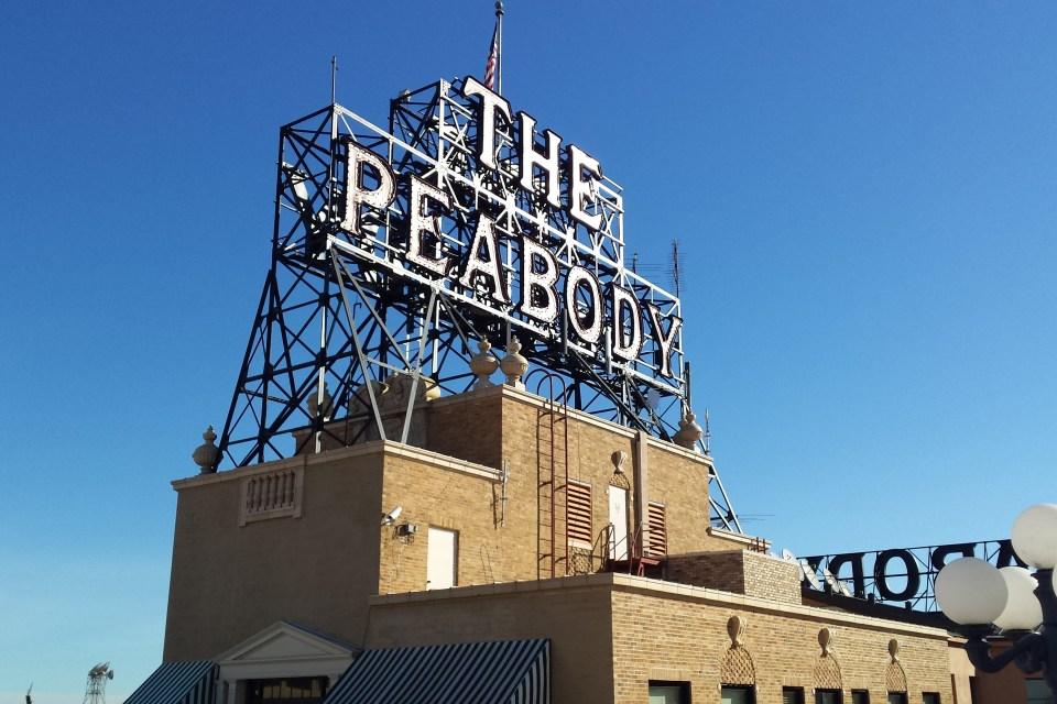 Peabody Hotel Memphis Sign
