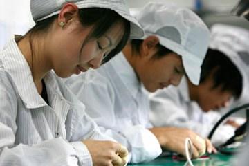 Trabalhadores em fábricas parceiras da Apple