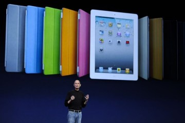 Steve Jobs lançando iPad 2 com Smart Covers