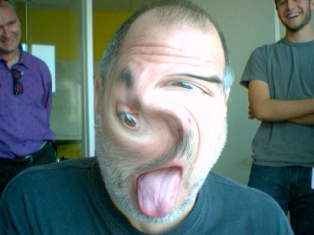 Steve Jobs brincando com o Photo Booth
